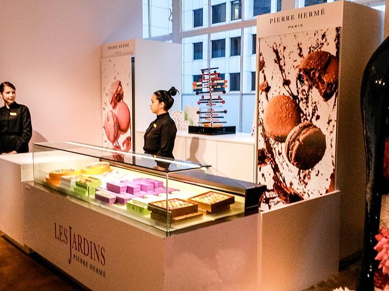 Installation de vitrines réfrigérées pour Pierre Hermé